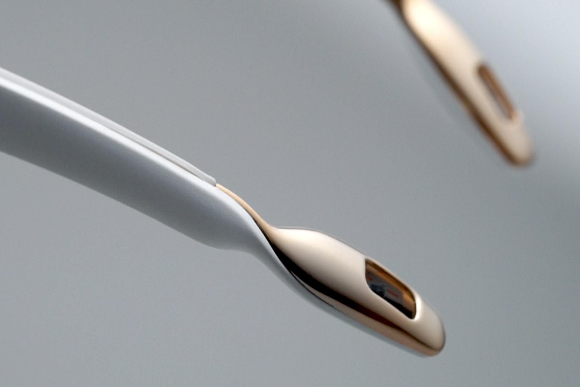 collier ionic purificateur d air airvida rose novelair. Black Bedroom Furniture Sets. Home Design Ideas